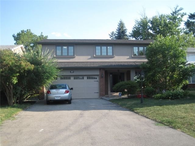 205 Steeles Ave E